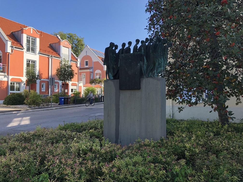 Allach-Untermensing: Höcherstrasse 26, 80999 München