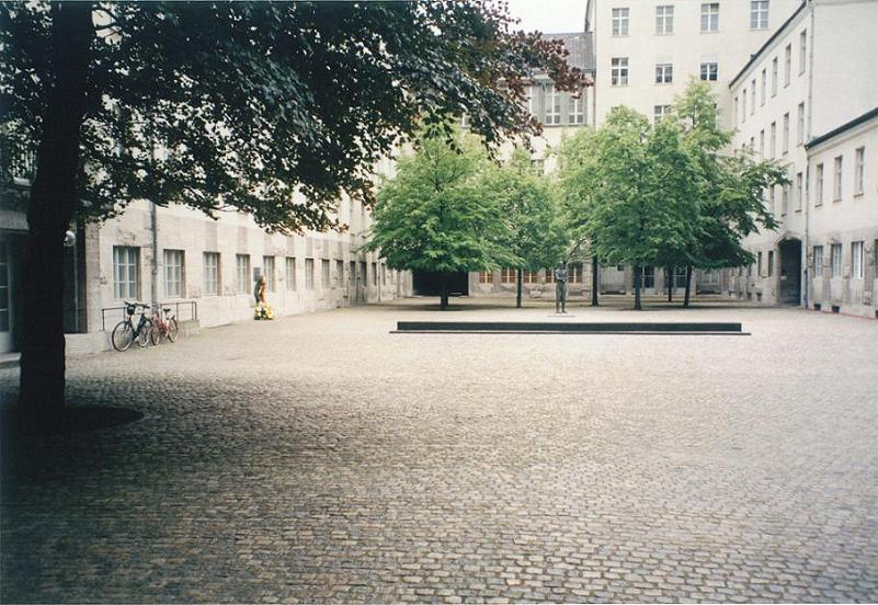 Gården vid Bendlerplatz där Stauffenberg m.fl. avrättades