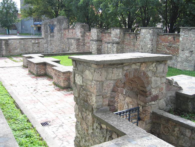 Ruinerna efter synagogan