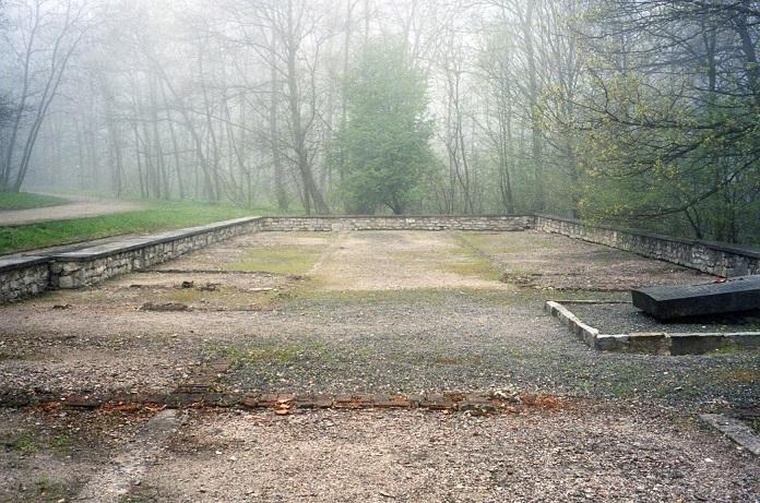 Häststallet där nackskottsanläggningen fanns