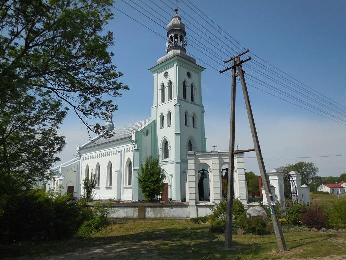 Kyrkan precis utanför hauslager