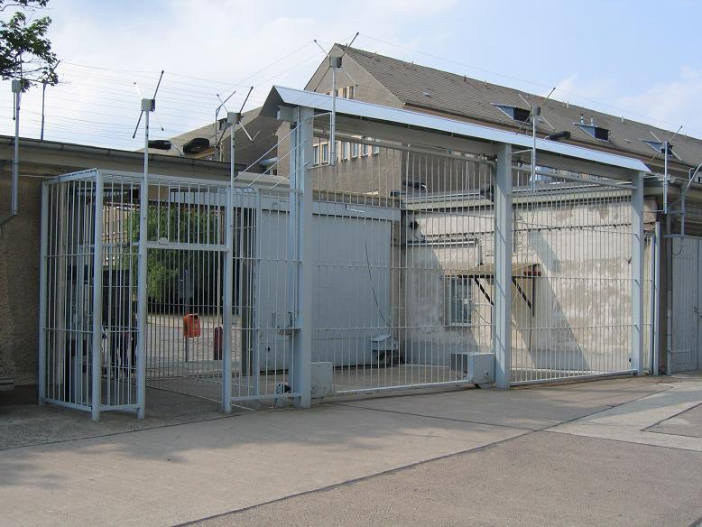 Fängelsegrinden sett inifrån