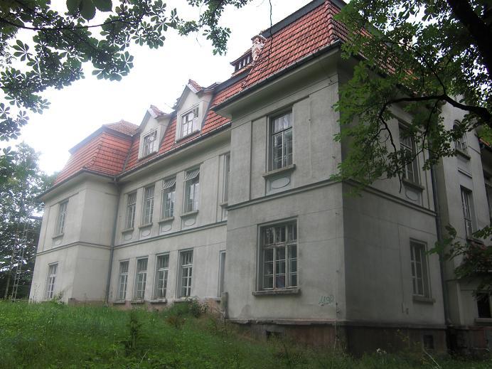 En av byggnaderna tillhörande mentalsjukhuset