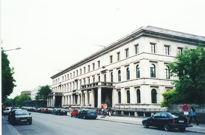 Führerbau - I denna byggnad undertecknades Münchenavtalet 1938