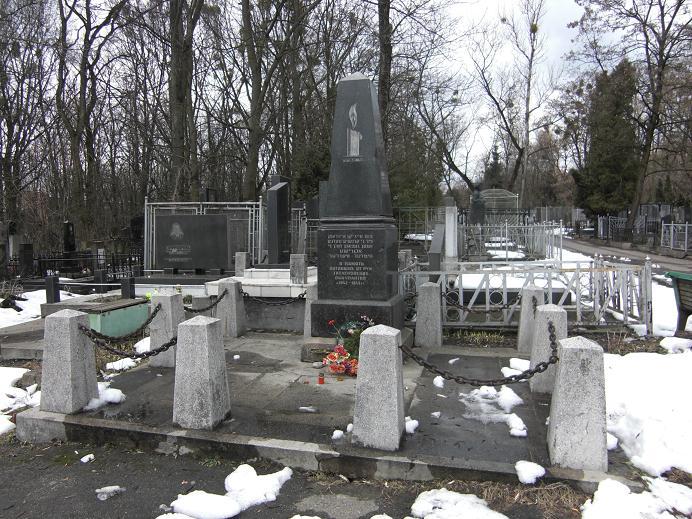 Minnesmonument på kyrkogård