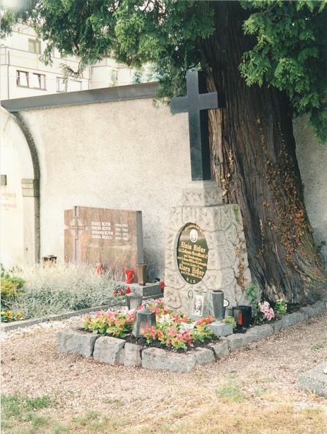 Hitlers föräldrars grav (1998)