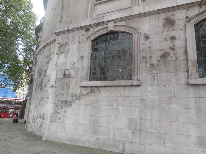 Splitterskador på St. Clement Danes, centrala London