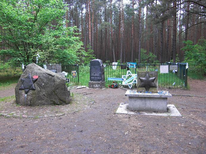 Monument och massgrav