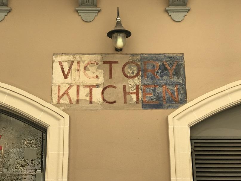 Under belägringen upprättades soppkök i Valletta som kallades för Victory Kitchen. Ett sådant låg här.