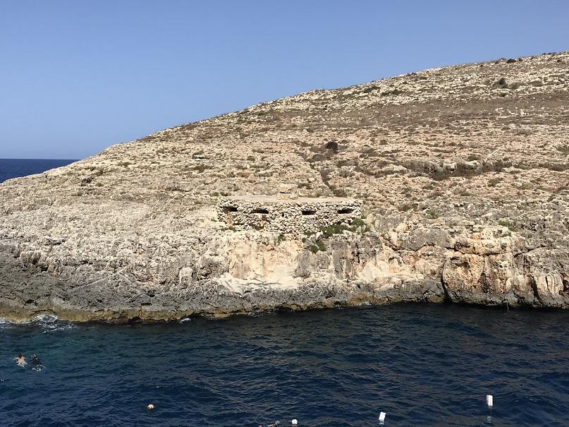 Skyttevärn vid Blue Grotto