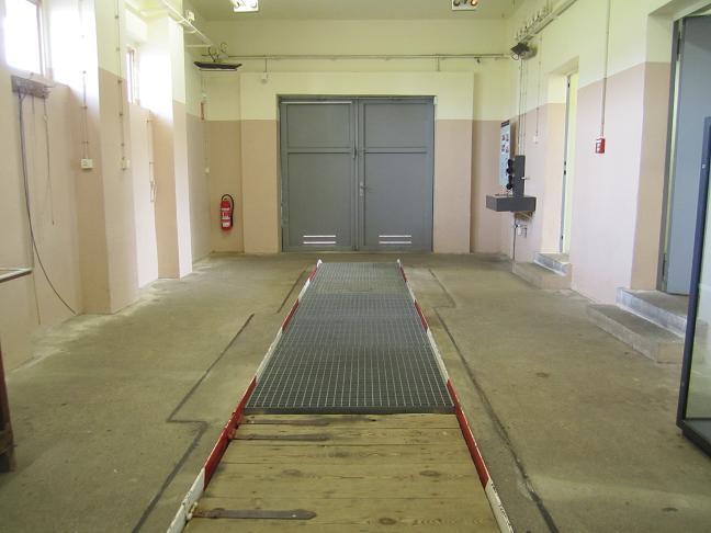 Tullen - Garage där personbilar genomsöktes
