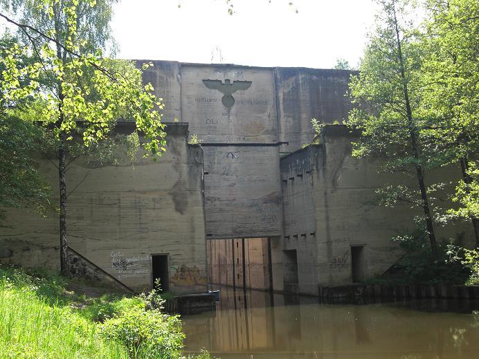 Ca fyra kilometer norr om Mauerwald byggde tyskarna en sluss