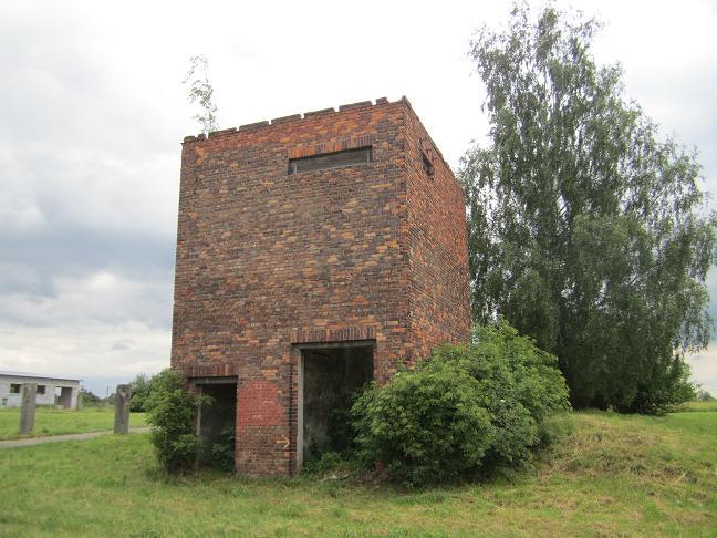 Vakttorn utanför Buna-Werke längs ul. Fabryczna