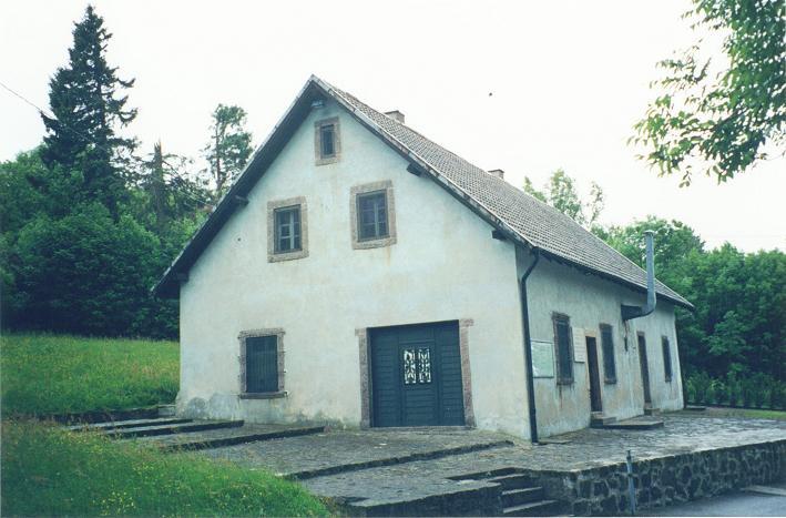 I denna byggnad vid Struthof upprättade nazisterna en gaskammare
