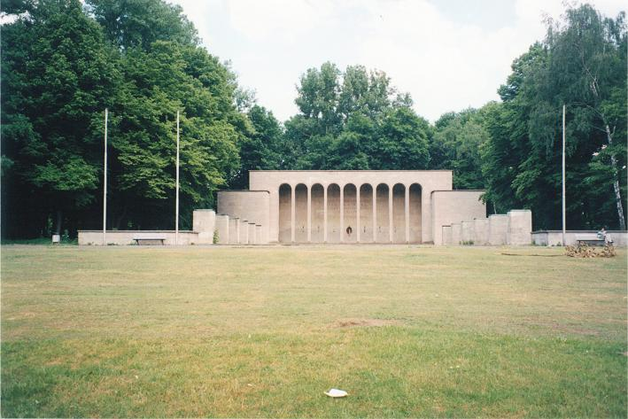 Minnesmonument vid Luitpold hain för offren under 1:a och 2:a världskriget