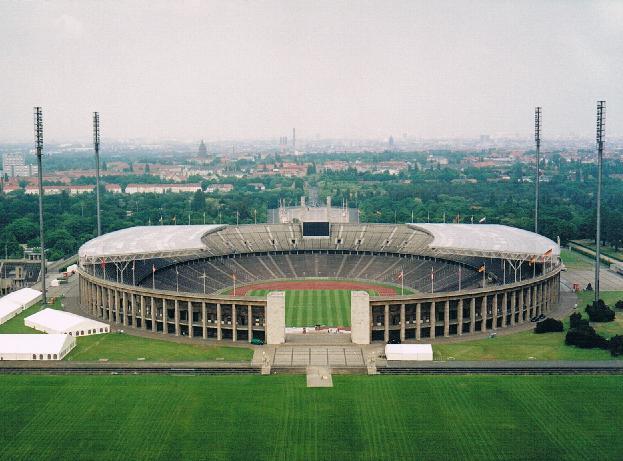 Olympiastadion sett från klocktornet med Maifeld i förgrunden