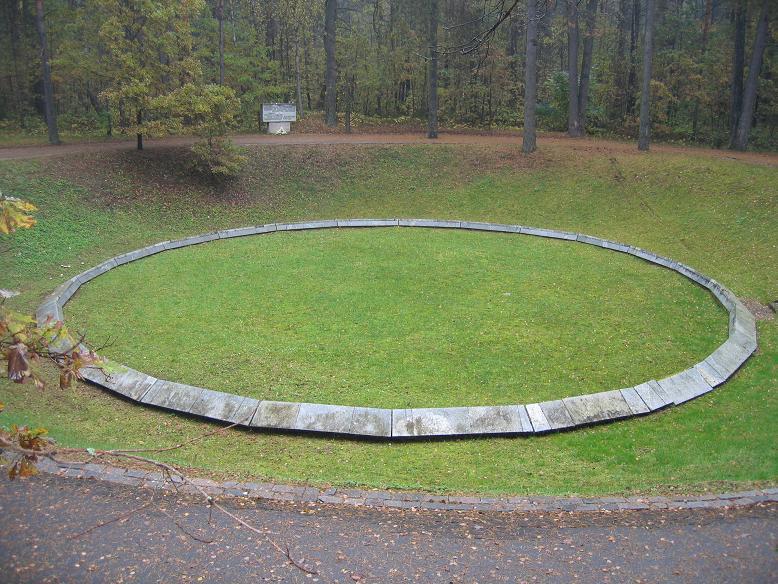 Massgrav och avrättningsplats