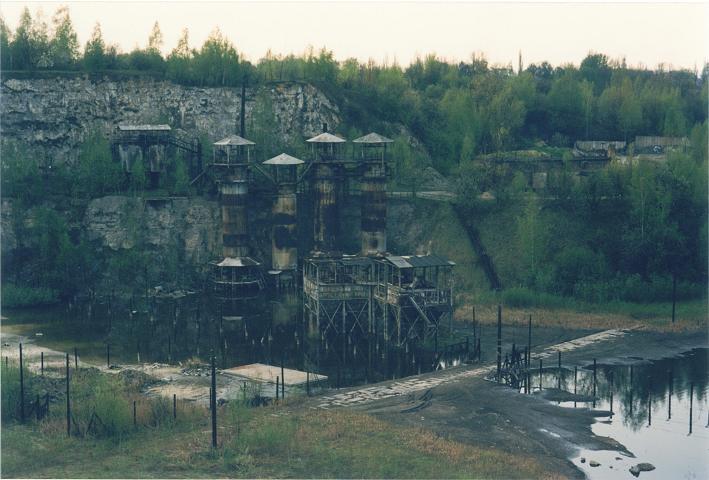 I ett stenbrott (Liban) intill det forna lägret byggdes en kopia av Plaszow upp för inspelningen av Schindlers list (1996)