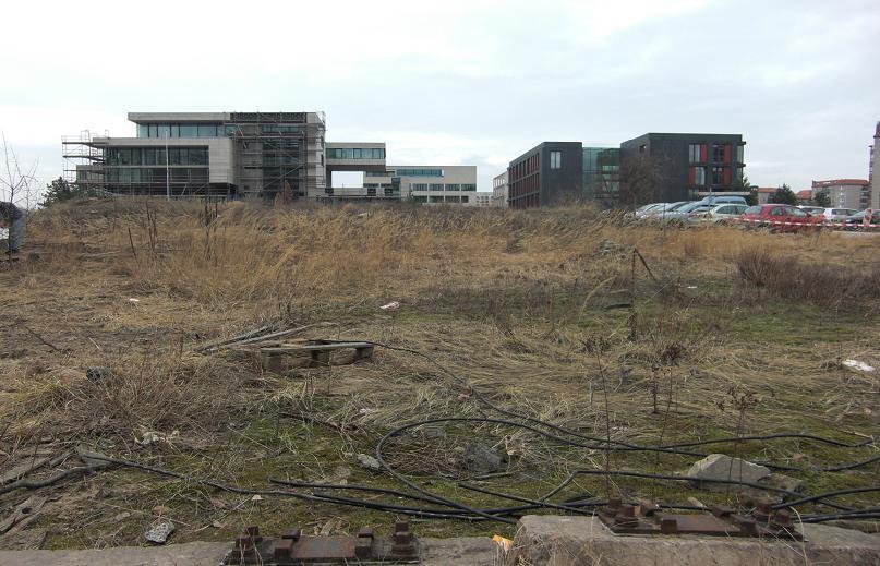 Öde mark på Vosstrasse där det nya Rikskansliet låg