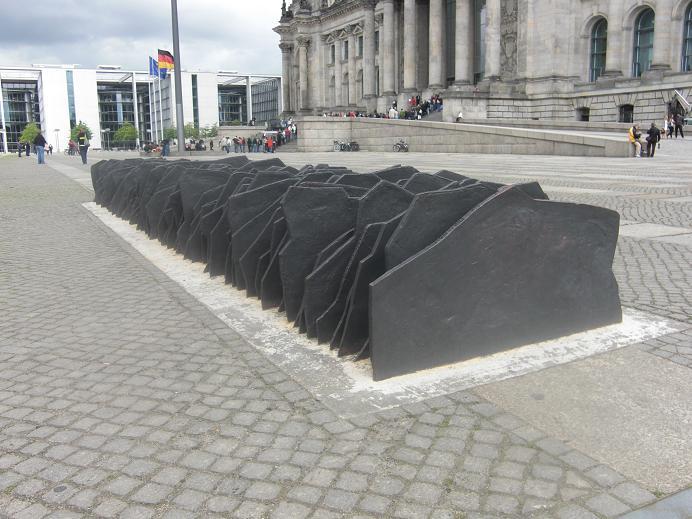 Minnesmonument för de 96 riksdagsledamöter som mördades av nazisterna