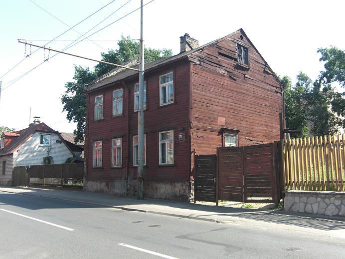 Hus längs gränsen på den tyska sidan av gettot