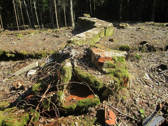 Skorstenen som tillhörde den öppna spisen i Görings arbetsrum