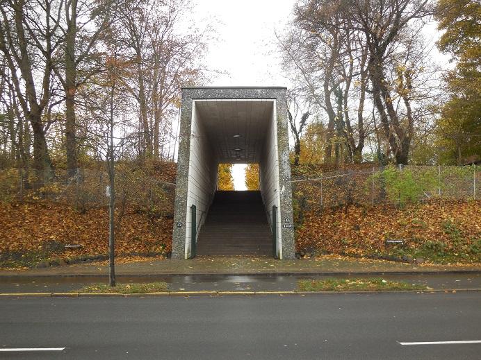 Entrén till minnesparken