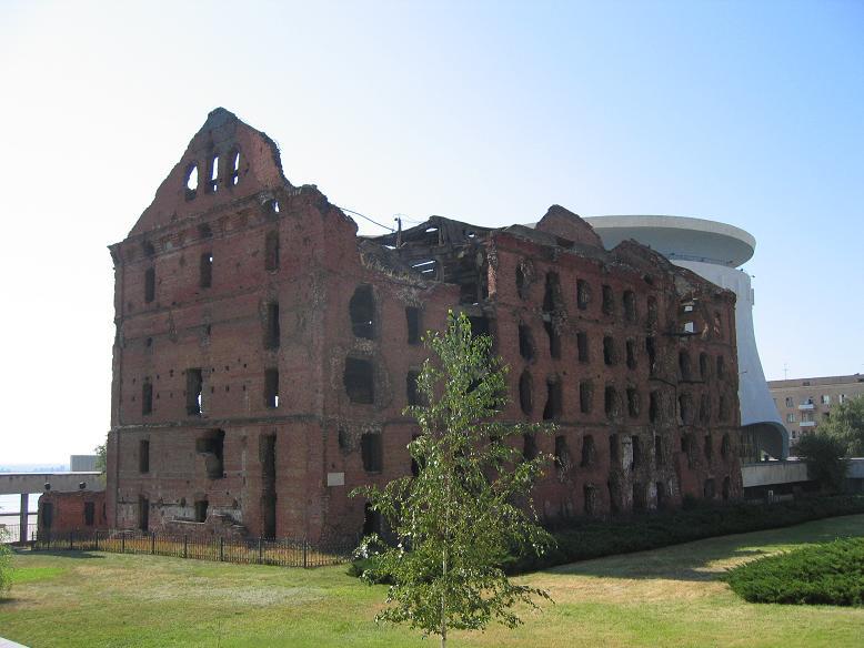 Bevarad ruin intill museet Battle of Stalingrad