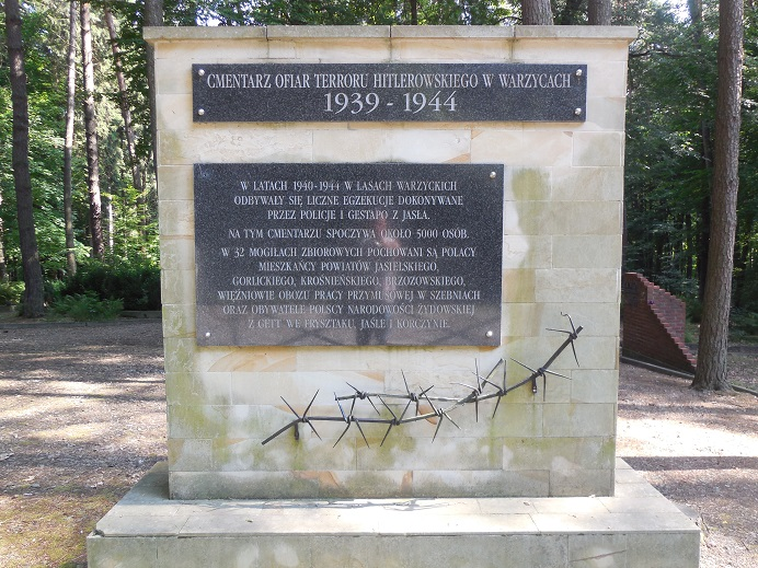 Kyrkogård väster om Szebnie för fångar som dog i Szebnie