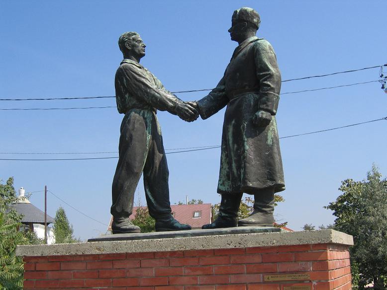 Ett stort tack till den sovjetiske soldaten som befriat och skyddar Ungern