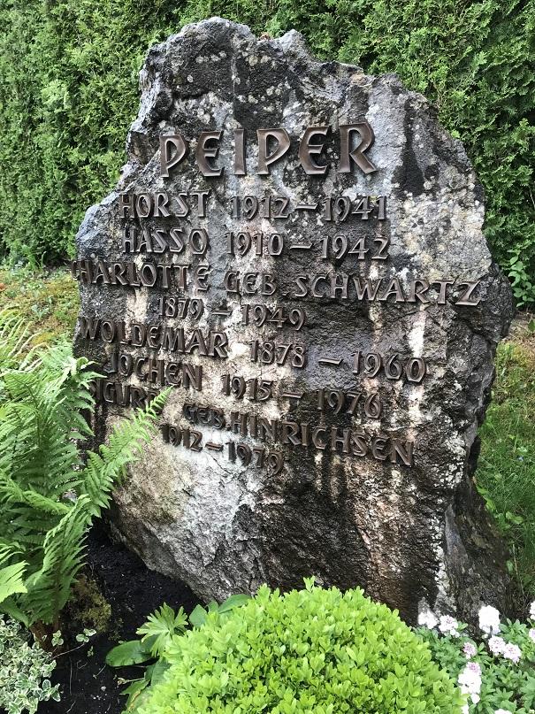 Jochen Peipers familjegrav vid St. Annas kyrka, Schondorf am Ammersee