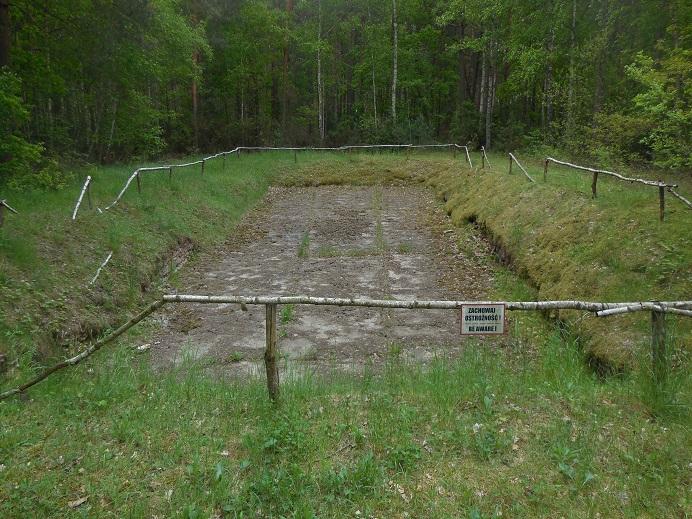Vattenreservoar på fångarnas område