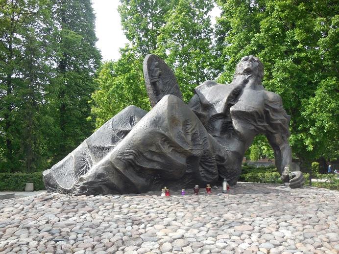 Monument för de civila offren under warszawa upproret