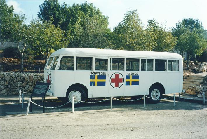 En av de vita bussarna som evakuerade fångar från koncentrationsläger till Sverige