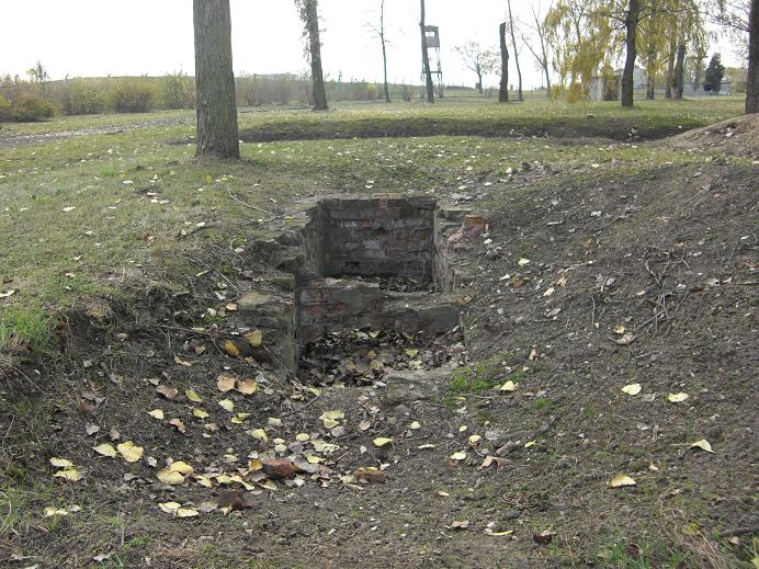 Outforskade ruiner i Gestapofängelset