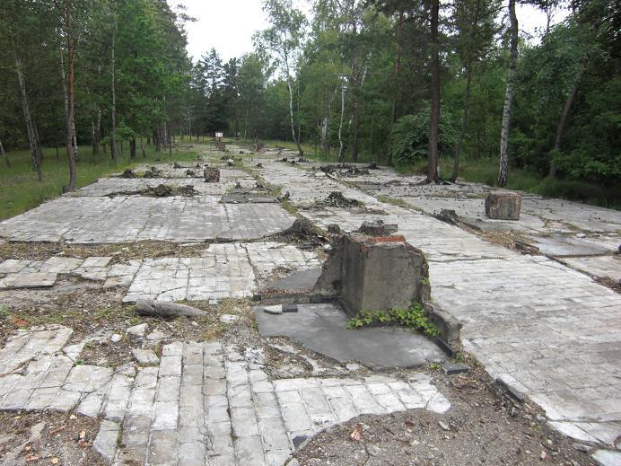 Ruiner efter lägersjukhuset